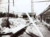 土砂に埋まった列車